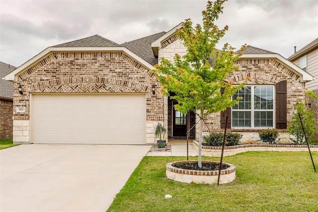 933 Pinnacle Ridge Road, Fort Worth, TX 76052 (MLS #14351476) :: The Chad Smith Team