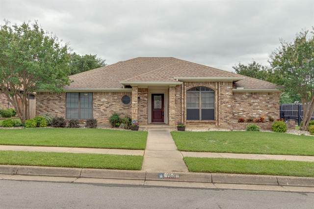 1200 Briarhaven Drive, Bedford, TX 76021 (MLS #14351656) :: The Chad Smith Team