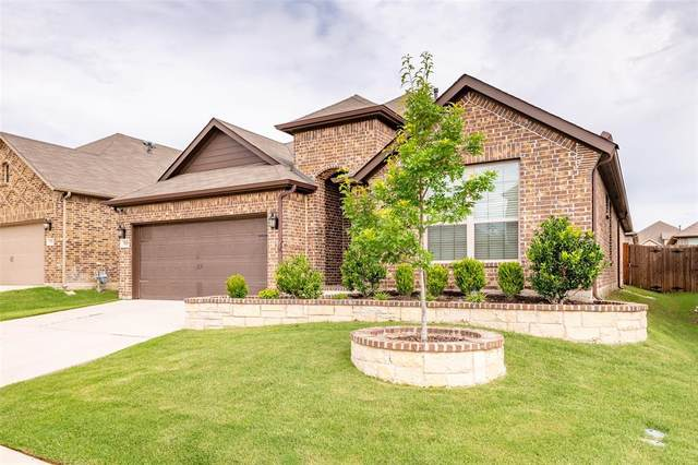 3105 Bella Lago Drive, Fort Worth, TX 76177 (MLS #14351897) :: The Kimberly Davis Group