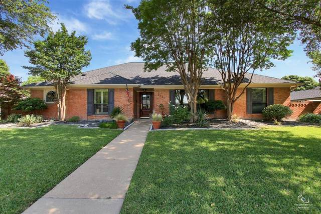 2317 Chamberlain Drive, Plano, TX 75023 (MLS #14351925) :: Ann Carr Real Estate