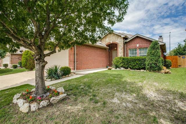 2113 Burnside Drive, Fort Worth, TX 76177 (MLS #14352110) :: The Kimberly Davis Group