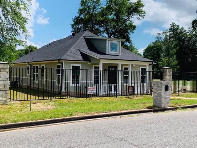 1106 Crestway, Athens, TX 75751 (MLS #14352167) :: Frankie Arthur Real Estate
