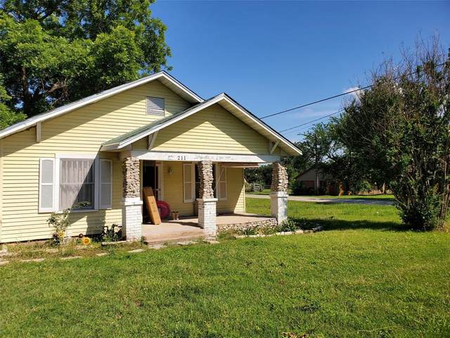 211 S Wickham Street, Alvord, TX 76225 (MLS #14352175) :: The Rhodes Team