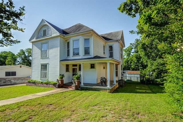 1220 W Chestnut Street, Denison, TX 75020 (MLS #14352227) :: Team Hodnett