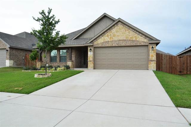 240 Buckskin Drive, Waxahachie, TX 75167 (MLS #14352252) :: Century 21 Judge Fite Company