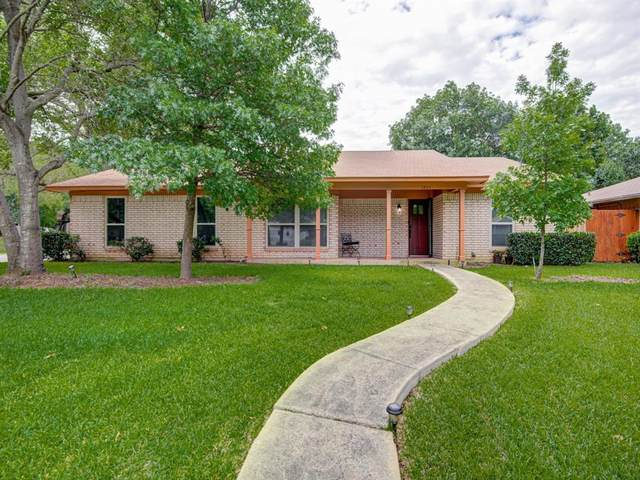 2805 Canyon Drive, Grapevine, TX 76051 (MLS #14352278) :: Team Hodnett