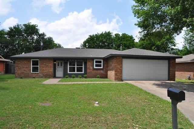 209 Myrtle Avenue, Waxahachie, TX 75165 (MLS #14352468) :: Tenesha Lusk Realty Group