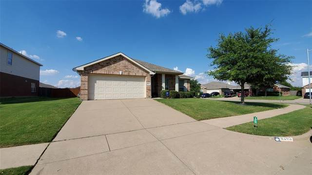 8205 La Frontera Trail, Arlington, TX 76002 (MLS #14352833) :: RE/MAX Pinnacle Group REALTORS