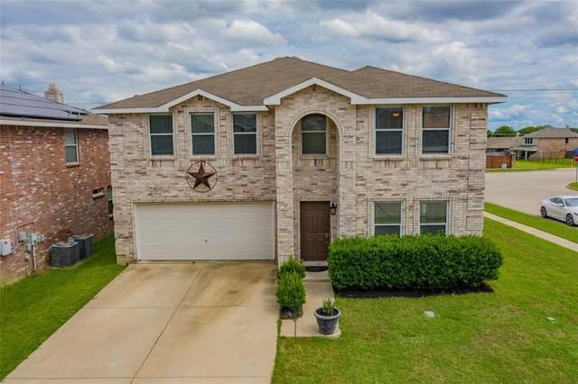630 Silvertop Road, Arlington, TX 76002 (MLS #14352850) :: The Kimberly Davis Group