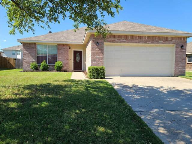 1639 Dream Catcher Way, Krum, TX 76249 (MLS #14352886) :: The Mauelshagen Group