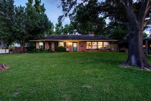 1500 W Gandy Street, Denison, TX 75020 (MLS #14352899) :: The Kimberly Davis Group