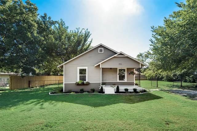 212 S 4th Street, Sanger, TX 76266 (MLS #14352927) :: Ann Carr Real Estate