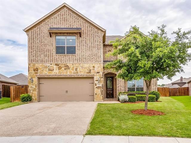 712 Gray Wash Drive, Saginaw, TX 76179 (MLS #14353080) :: The Mauelshagen Group