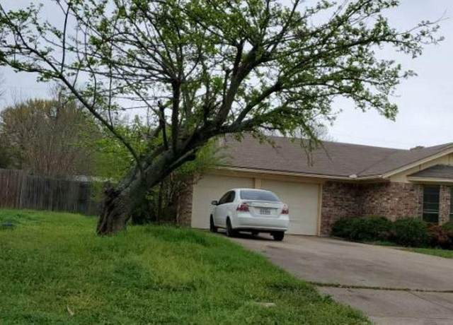 407 S Hill Drive, Cleburne, TX 76033 (MLS #14353123) :: Team Hodnett