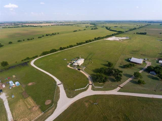 7041 Private Road 4923, Krum, TX 76249 (MLS #14353336) :: The Mauelshagen Group