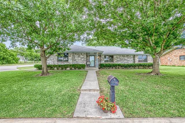 1078 N Maple Street, Muenster, TX 76252 (MLS #14353381) :: Team Hodnett