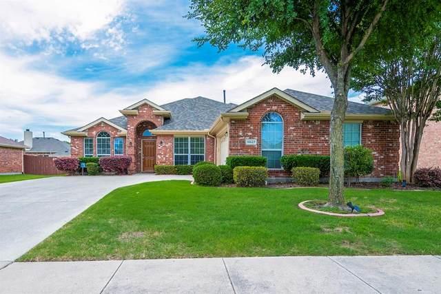 15627 Wrangler Drive, Frisco, TX 75035 (MLS #14353518) :: The Kimberly Davis Group