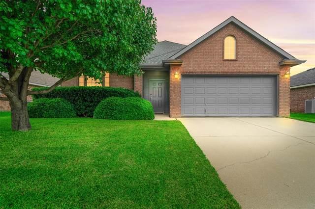 11931 Arbor Lake Road, Rhome, TX 76078 (MLS #14354027) :: Team Hodnett