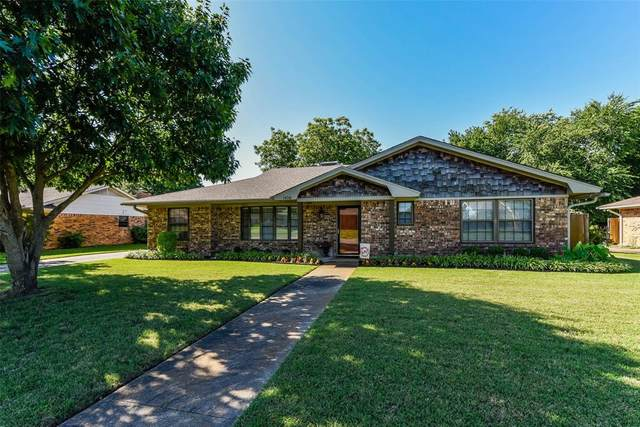 1426 Andy Drive, Sherman, TX 75092 (MLS #14354145) :: Ann Carr Real Estate