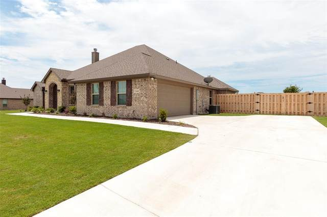 144 Single Tree Road, Decatur, TX 76234 (MLS #14354164) :: Robbins Real Estate Group