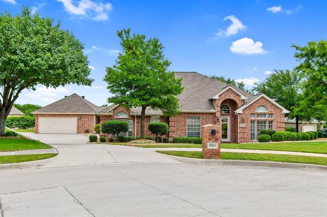 9004 Little Reata Trail, Benbrook, TX 76126 (MLS #14354198) :: Tenesha Lusk Realty Group