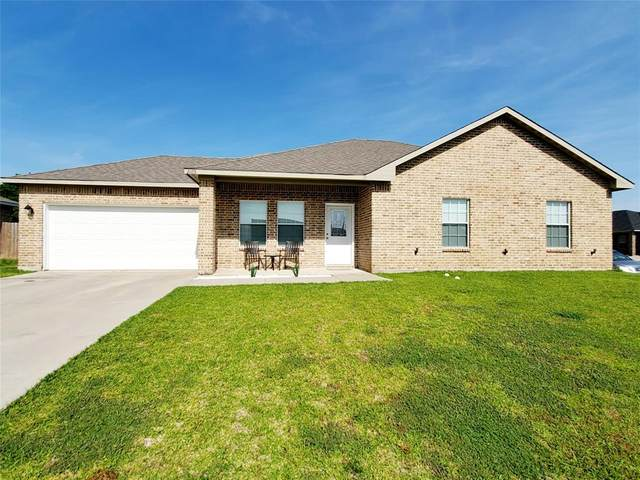 2105 Oliver Street, Greenville, TX 75401 (MLS #14354379) :: The Kimberly Davis Group