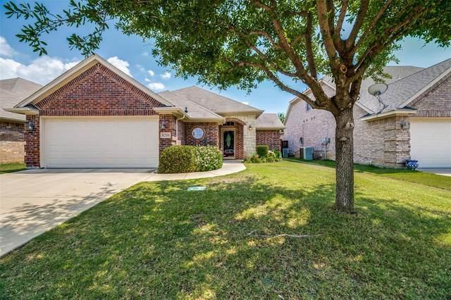 8208 Riversprings Drive, Fort Worth, TX 76053 (MLS #14354383) :: Team Hodnett
