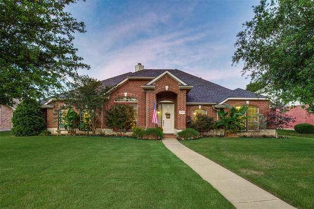 308 Old Mill Road, Sunnyvale, TX 75182 (MLS #14354416) :: Tenesha Lusk Realty Group