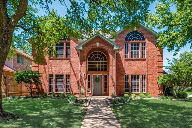 1706 Altacrest Drive, Grapevine, TX 76051 (MLS #14354485) :: The Chad Smith Team