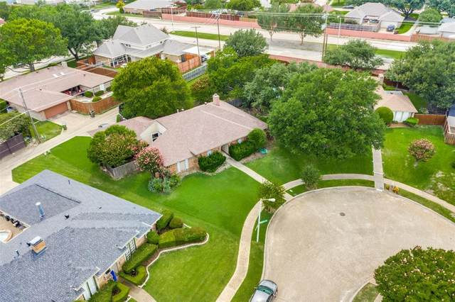 2936 Crow Valley Trail, Plano, TX 75023 (MLS #14354795) :: The Heyl Group at Keller Williams