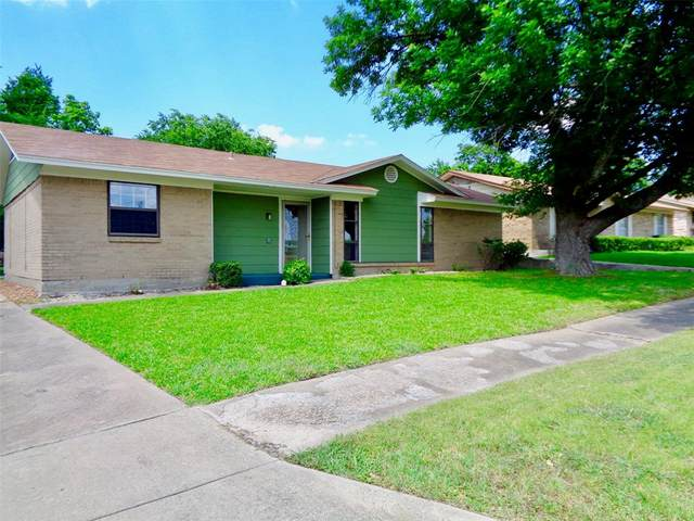 305 Arizona Street, Sherman, TX 75090 (MLS #14354796) :: NewHomePrograms.com LLC