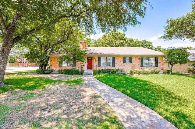 332 Oakcrest Drive, Richardson, TX 75080 (MLS #14354912) :: The Good Home Team