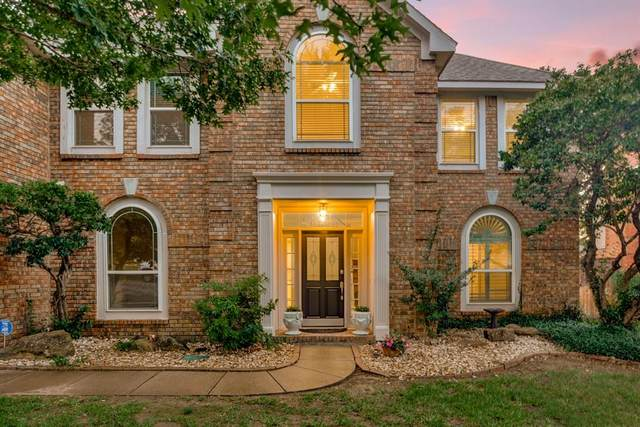 1081 Woodbriar Drive, Grapevine, TX 76051 (MLS #14355272) :: The Kimberly Davis Group