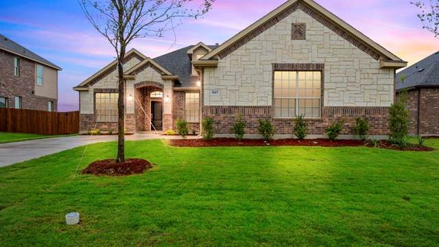 4406 Sugargrove Lane, Arlington, TX 76001 (MLS #14355440) :: All Cities USA Realty
