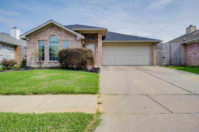 7018 Pickford Court, Arlington, TX 76001 (MLS #14355544) :: RE/MAX Pinnacle Group REALTORS