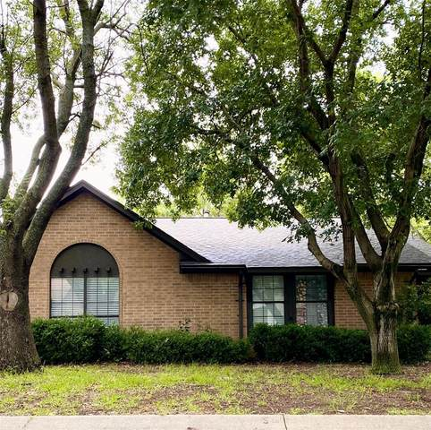 2004 Wisteria Street, Denton, TX 76205 (MLS #14355630) :: The Mauelshagen Group
