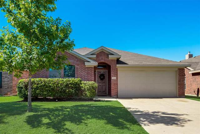 1564 Grassy View Drive, Fort Worth, TX 76177 (MLS #14355656) :: The Star Team | JP & Associates Realtors