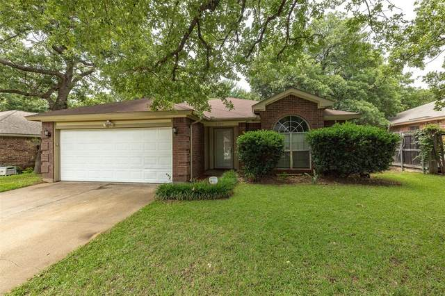 6306 Blaney Drive, Arlington, TX 76001 (MLS #14355843) :: RE/MAX Pinnacle Group REALTORS