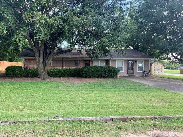 200 Jackson Street, Nocona, TX 76255 (MLS #14355854) :: The Welch Team