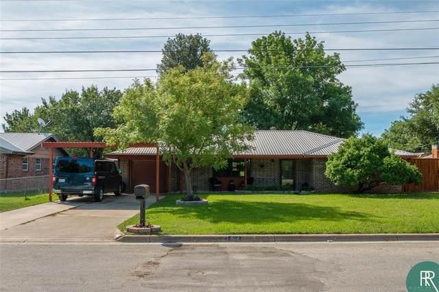 706 Idlewild Drive, Brownwood, TX 76801 (MLS #14355924) :: The Rhodes Team