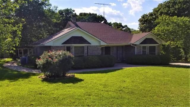 251 E Fox Creek Lane, Whitesboro, TX 76273 (MLS #14355944) :: Tenesha Lusk Realty Group