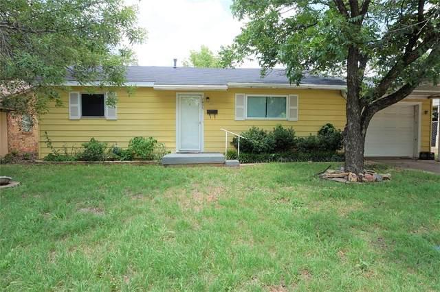 1435 Avenue D, Graham, TX 76450 (MLS #14356197) :: The Good Home Team