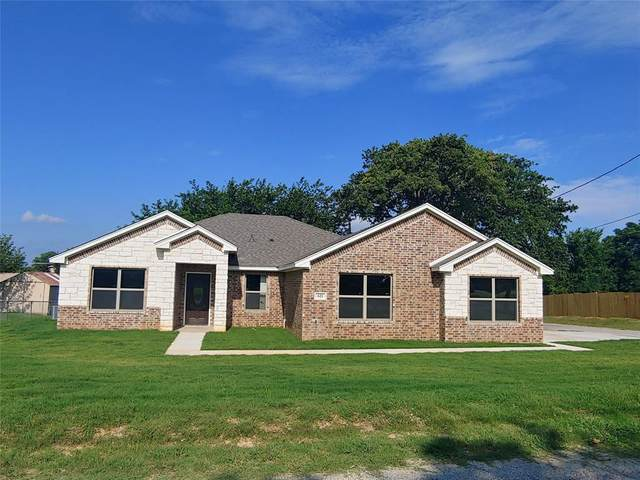 621 N Avenue B, Springtown, TX 76082 (MLS #14356355) :: The Kimberly Davis Group