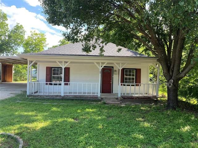 217 W Jones, Krum, TX 76249 (MLS #14356523) :: Trinity Premier Properties