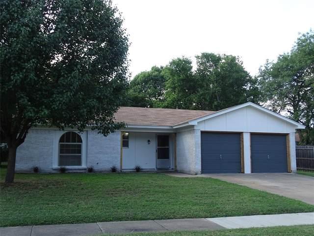 904 Jayellen Court, Burleson, TX 76028 (MLS #14356872) :: Keller Williams Realty