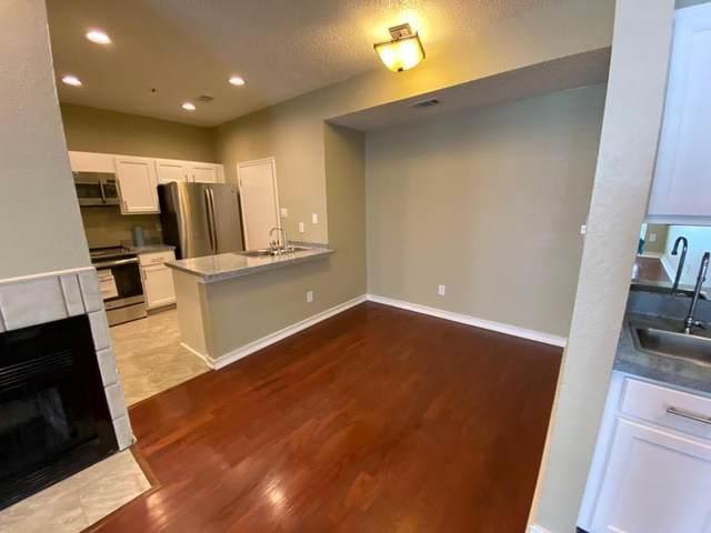 6248 Oram Street #13, Dallas, TX 75214 (MLS #14357122) :: Baldree Home Team
