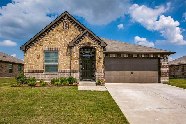 3903 Bridle Path Lane, Sanger, TX 76266 (MLS #14357391) :: Maegan Brest | Keller Williams Realty