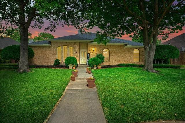 2604 Pickwick Lane, Plano, TX 75093 (MLS #14357443) :: All Cities USA Realty