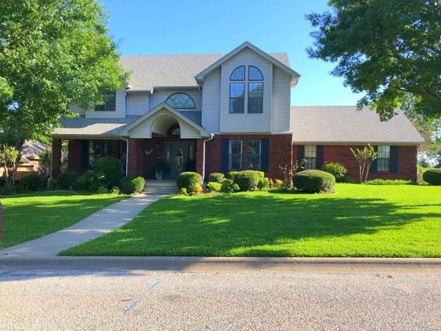 807 Woodland Trail N., Bowie, TX 76230 (MLS #14357489) :: The Welch Team