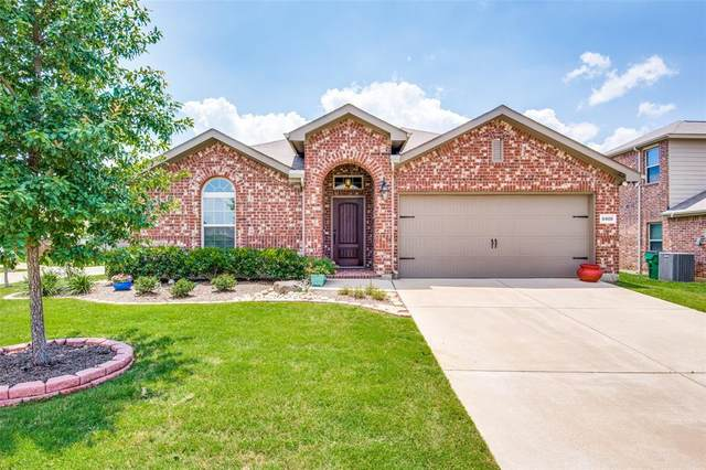 8408 Sioux Trail, Aubrey, TX 76227 (MLS #14357612) :: Baldree Home Team